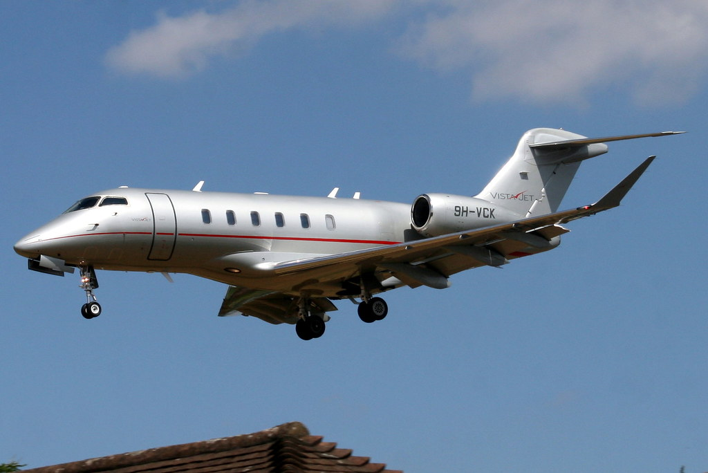 Challenger 350 Private Jet Charter Hire
